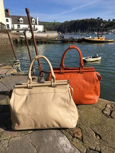 Stylish Gladstone holdall, perfect for overnight and short breaks! #RiverDart #Danielli #Dartmouth #Devon #SWisBest #Holdall #Boutiques #ShoppingTime #ShoppingAddict #Style #MustHave