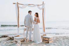 Fotos de Boda Formentera Hard Rock Hotel, Ibiza, Beach Wedding Photography, Vestidos, Wedding Videos, Daytime Wedding, Wedding Pictures, Beach Wedding Photos, Ibiza Town