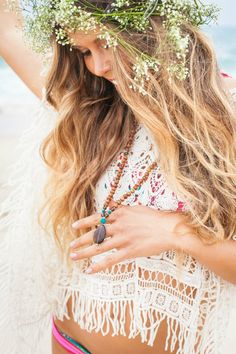 schools-out-surfs-up:    Bored at school :( Bohemian Fashion, Bohemian Style, Boho Chic, Modern Hippie, Hippie Boho, Chic Clothing, Hippie Jewelry, Headbands, Drop Earrings