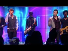 "Nick Carter & Jordan Knight Perform ""Switch"""