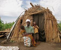 Uganda: Family in a Refugee Camp by Leo Portilla Marcos - Pixdaus