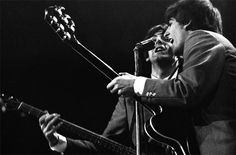 Never-Before-Seen Photos of the Beatles in 1964 Photo credit: Mike Mitchell. Courtesy of Christie's Images LTD. The Beatles 1960, The Beatles Live, Rock & Pop, Rock N Roll, George Harrison, Screaming Girl, Mike Mitchell, Music Rock, Beatles Photos