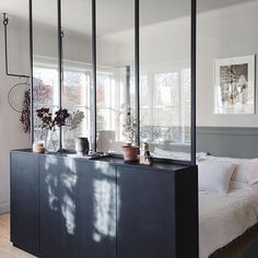 IKEA Ivar cabinets with a glass wall above create a hidden sleeping area in . - IKEA Ivar cabinets with a glass wall above create a hidden sleeping area in a studio … - Ikea Interior, Interior Design, Studio Interior, Interior Livingroom, Luxury Interior, Interior Ideas, Modern Interior, Ikea Ivar Cabinet, Deco Studio