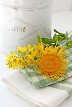Sunflower on green and while napkin, so pretty