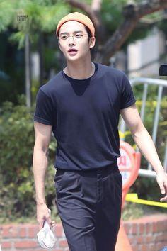K-Pop Babe Pics – Photos of every single female singer in Korean Pop Music (K-Pop) Korean Fashion Men, Korean Men, Kpop Fashion, Korean Actors, Mens Fashion, Asian Boys, Asian Men, Sf 9, Kdrama Actors