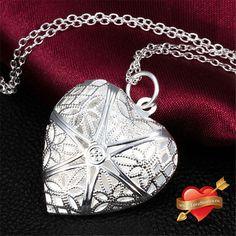 Медальон в форме сердца серебристый