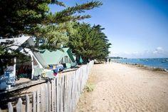 Camping mit spektakulärer Aussicht in der Ardèche, Drôme, Vendée - Taal Blabla- - Camping Europe, Camping France, Camping Places, Camping Glamping, Camping World, Camping Life, France Travel, Places To Travel, Places To Go