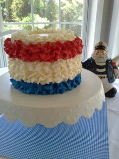 Red, white and blue ruffle cake