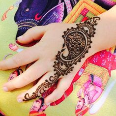 Mehndi Designs will blow up your mind. We show you the latest Bridal, Arabic, Indian Mehandi designs and Henna designs.