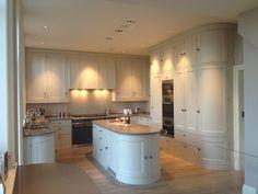 Farrow and ball skimming stone kitchen Barn Kitchen, Stone Kitchen, Kitchen Family Rooms, New Kitchen, Kitchen Decor, Kitchen Design, Kitchen Island, Kitchen Ideas, Kitchen Furniture