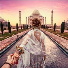 Photographer Murad Osmann follows his girlfriend while traveling to breathtaking Indian landmarks. #travel #photography #Followme