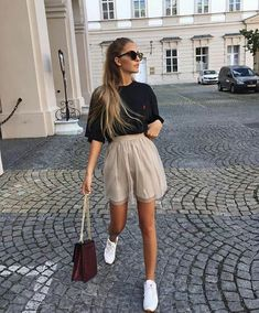 "1,782 Likes, 20 Comments - styliciouss Life (@styliciousslife) on Instagram: ""OOTD✔ Via @stylebyoutfit #styliciousslife . . #outfitoftheday #ootd #photooftheday #amazing…"""