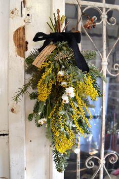 Dried Flower Wreaths, Dried Flowers, White Flowers, Wedding Bouquets, Wedding Flowers, Le Mimosa, Flower Farm, Diy Wreath, Blue Bird