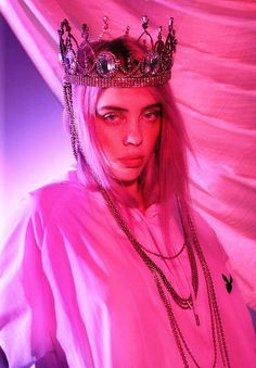 Billie Eilish, The Vogue Cover Girl, Bluntly Told Me In An Interview What No One Knew About Her! The unknowns about billie eilish the vogue cover girl. Bedroom Wall Collage, Photo Wall Collage, Picture Wall, Aesthetic Collage, Aesthetic Photo, Aesthetic Pictures, Billie Eilish, Photographie Indie, Album Cover