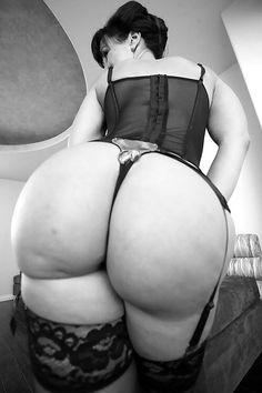 Phat Asses With Curves — lovemeabiggirl:   cakesxpeachesxracksx:  ...