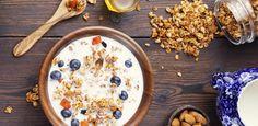 La avena es uno de los cereales de moda y además es muy sencillo de introducir en nuestra dieta. ¡Te enseñamos las recetas más deliciosas para hacerlo...