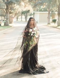 56 Classy Halloween Wedding Dress Ideas to Makes You Look Stunning - VIs-Wed Classy Halloween Wedding, Halloween Wedding Dresses, Black Wedding Dresses, Wedding Shoes, Green Wedding, Black Veil Wedding, Halloween Weddings, Black Weddings, Halloween Bride