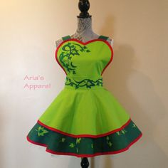 Looking for the perfect Poison Ivy - Poison Ivy Apron - Womens Apron - Costume Apron - Retro Apron? Please click and view this most popular Poison Ivy - Poison Ivy Apron - Womens Apron - Costume Apron - Retro Apron. Ivy Costume, Cosplay Costumes, Princess Aprons, Cool Aprons, Retro Apron, Sewing Aprons, Poison Ivy, Cheer Skirts, Summer Dresses