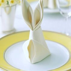 Bunny Napkin Fold - - Easter rabbit-shaped napkins are a festive detail for the holiday table, and they only require a few simple folds. Easter Dinner, Easter Brunch, Easter Table, Easter Gift, Happy Easter, Easter Eggs, Easter Weekend, Easter Decor, Bunny Napkin Fold