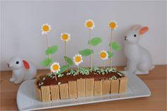 C'est sur l'Instagram de @moipaspaoule que j'ai repérée cette chouette idée vite faite. Car si j'adore faire la cuisine, avec les enfants notamment, je n'ai pas toujours le temps de préparer un bon goûter maison. Alors tant qu'à jouer la carte du gâteau...