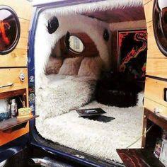 37 Easy Ways To Organize Your Van Life Interior - Possible Decor Custom Van Interior, Rv Interior, Campervan Interior, Dodge Van, Van Home, Camper Van Conversion Diy, Bus Life, Cool Vans, Van Living