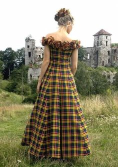 Got Tartan? I adore this tartan ballgown, and the bridal gown just below it. Lots of great tartan designs on this page - fashion, accessories, and home. From Vignette Design Plaid Wedding Dress, Tartan Wedding, Tartan Dress, Fall Wedding Dresses, Autumn Wedding, National Tartan Day, Tartan Mode, Vintage Outfits, Tartan Fashion