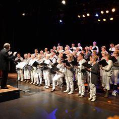 Bodegraafs Vocaal Ensemble schittert in zondagmiddagconcert  Het Bodegraafs Vocaal Ensemble heeft afgelopen zondag een middagconcert georganiseerd.  De grote zaal was volledig gevuld en het ensemble wist het publiek goed te vermaken. Het programma en repetoire was veelzijdig met als thema something old something new. Tot de pauze bracht het ensemble voornamelijk traditionele muziek; Bach Strauss en Puccini kwamen voorbij. Na de pauze liet het ensemble zien ook hedendaagse nummers te kunnen…