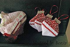 {me} and my thoughts: Christmas Gift Giving - HANDMADE FABRIC BAUBLE TUTORIAL