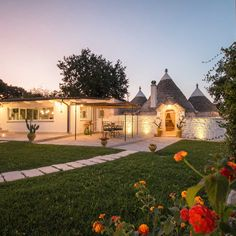 Trulli & Dimore selects typical Apulian properties like Villa, Trulli, Rural Houses to live and enjoy the peace of rural hillside settings...