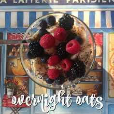 Overnight oats: cosa sono e come si preparano Vegetarian Recipes, Healthy Recipes, Overnight Oatmeal, Biscotti, Acai Bowl, Meal Prep, Clean Eating, Food Porn, Food And Drink