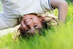 Foto de criança em contato com a natureza pode concorrer a prêmios no Instagram