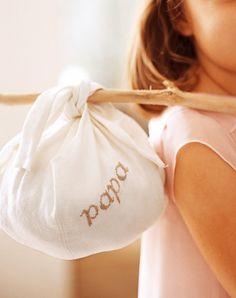 DIY Noël : un paquet-cadeau comme un baluchon - Marie Claire Idées