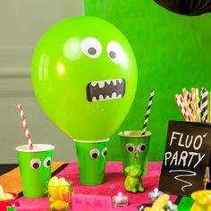 Des ballons verts fluos, qui affichent un visage de #monstre rigolo, des gobelets assortis aux yeux tout ronds ... les enfants vont adorer !
