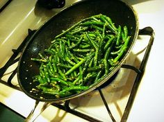 WMF Cutlery And Cookware - One Of The Most Trustworthy Cookware Producers Low Carb: Sauteed Garlic Green Beans Sauteed Garlic Green Beans, Lindas Low Carb Recipes, Cooking Green Beans, Healthy Summer Recipes, Good Enough To Eat, Side Recipes, Easy Cooking, I Love Food, Squeezed Lemon
