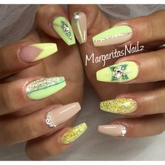 Nude & yellow coffin nails