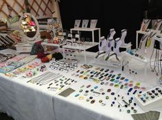 London Jewellery School's [TOP TIPS] for making the most of craft fairs and markets (xmas)