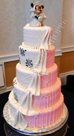 Shockley's Sweet Shoppe Half and Half Mickey and Minnie Mouse Wedding Cake! Unconventional Wedding Cake, Elegant Wedding Cakes, Beautiful Wedding Cakes, Gorgeous Cakes, Themed Wedding Cakes, Wedding Cake Toppers, Cake Wedding, Fancy Cakes, Cute Cakes