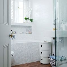 luminous bathroom (via Pinterest)