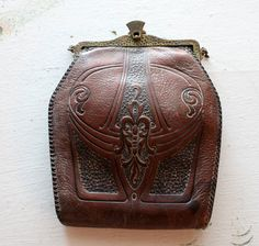 Aantique 1910's Edwardian tooled leather handbag.