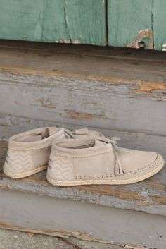Blanket stitch, tassels and an espadrille sole: The Desert Taupe Suede TOMS Palmera Chukka Booties are all about the details.