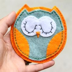 This owl pouch is an easy project.  Stop by and grab the free template.