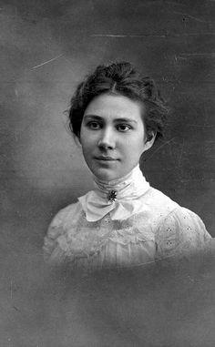 Fairy Farrand Fleece, Wildwood, Florida, 1899. #Victorian #women #fashion
