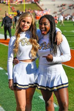 A look back at our 45 favorite cheerleaders from the 2016 college football season. They can cheer for us anytime! Oregon Cheerleaders, Football Cheerleaders, Nfl Football, Cheerleader Images, Cheerleading Pictures, College Cheerleading, Cheerleading Outfits, Cheer Team Pictures, Stars