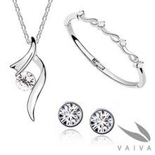 Elegant 3 pieces jewellery set/clear (4-7 days delivery)