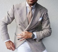 One of our favorite ways to style such a timeless menswear piece as a beige double breasted blazer is to pair it with white dress pants. Mens Fashion Suits, Mens Suits, White Dress Pants, Blazer Dress, Dress Shirt, Stylish Mens Outfits, Summer Suits, Gentleman Style, Daily Fashion