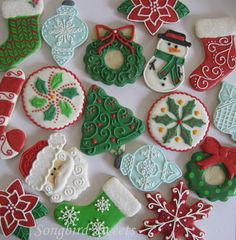 Beautiful Christmas cookies (love the simple snow flake design)