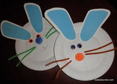Cute paper plate bunny craft for the kids - using the kids feet for the ears!