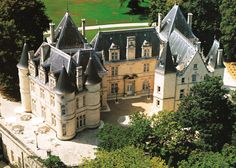 What's better than enjoying the best French wines in an 11th century chateaux in the Loire Valley? http://bit.ly/GUBTdJ