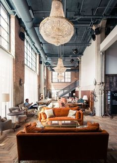 SOHO HOUSE Chicago - Fulton Market Treat yourself to a bottle to share. A great contender to our beloved London Soho house 🚉closest Morgan Home Design, Design Hotel, Design Ideas, Hotel Lobby Interior Design, Lobby Design, Design Projects, Loft Interiors, Industrial Interiors, Interiors Online