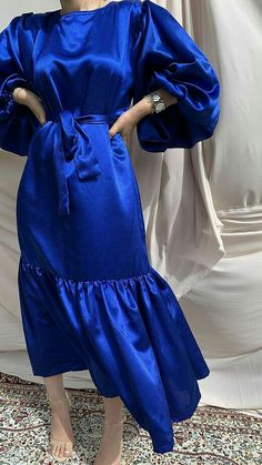 Prom Dresses Long With Sleeves, Modest Dresses, Simple Dresses, Abaya Fashion, Modest Fashion, Fashion Dresses, Latest Bridal Dresses, Minimal Dress, Mode Abaya